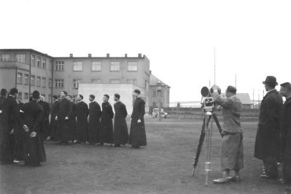 Natáčení fotbalového zápasu mladých salesiánů (1937)